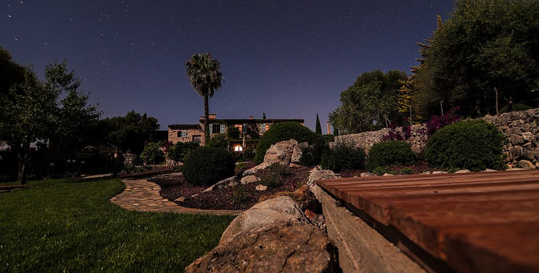 Sternenhimmel über der Yoga Finca Son Mola Vell auf Mallorca