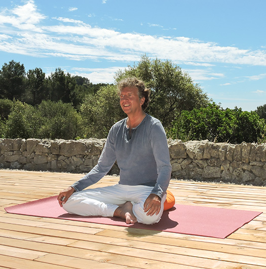 Markus Hegemann im Yoga Urlaub in der Finca Son Mola Vell Mallorca