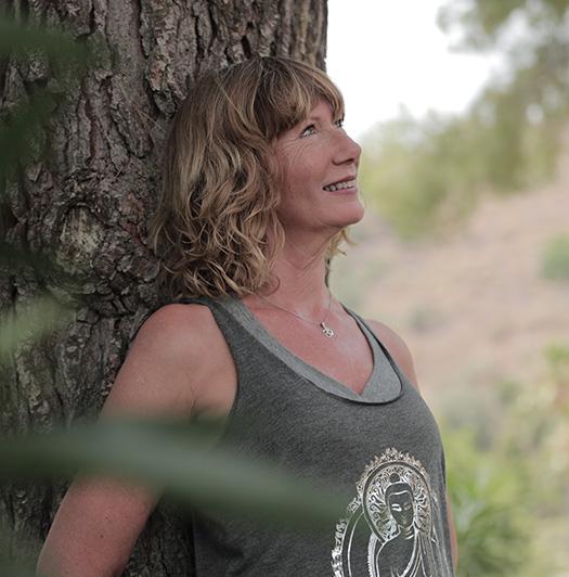 Yogalehrerin Katharina Malu Peters auf der Yoga Finca Mallorca