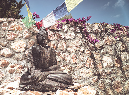 Entspannung mit Buddha im Yoga Urlaub Mallorca